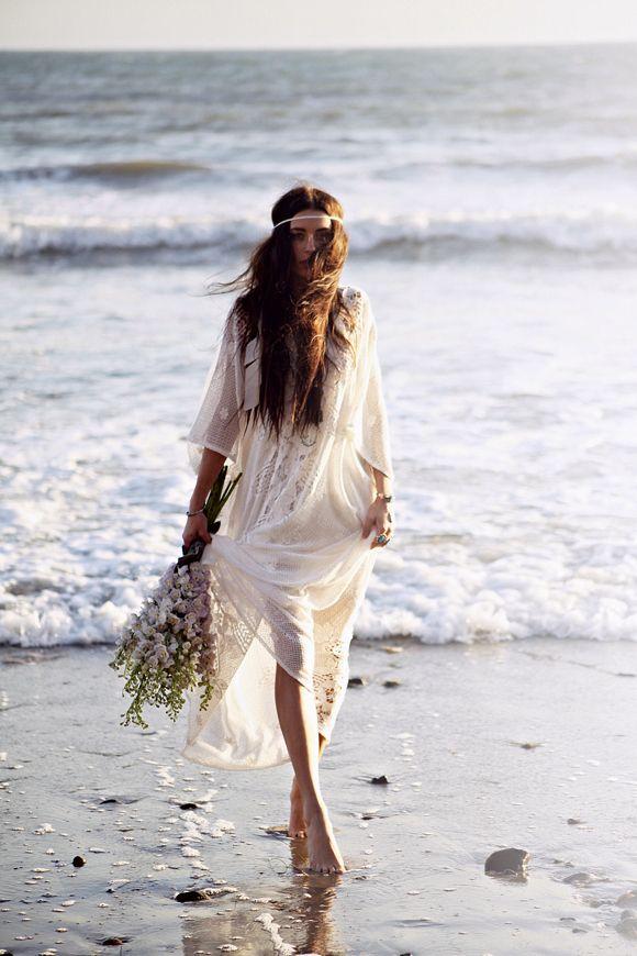 relaxed-boho-chic-beach-wedding-ideas-27