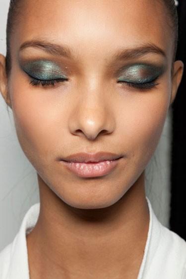 makeup_sombras_verde_metalizada