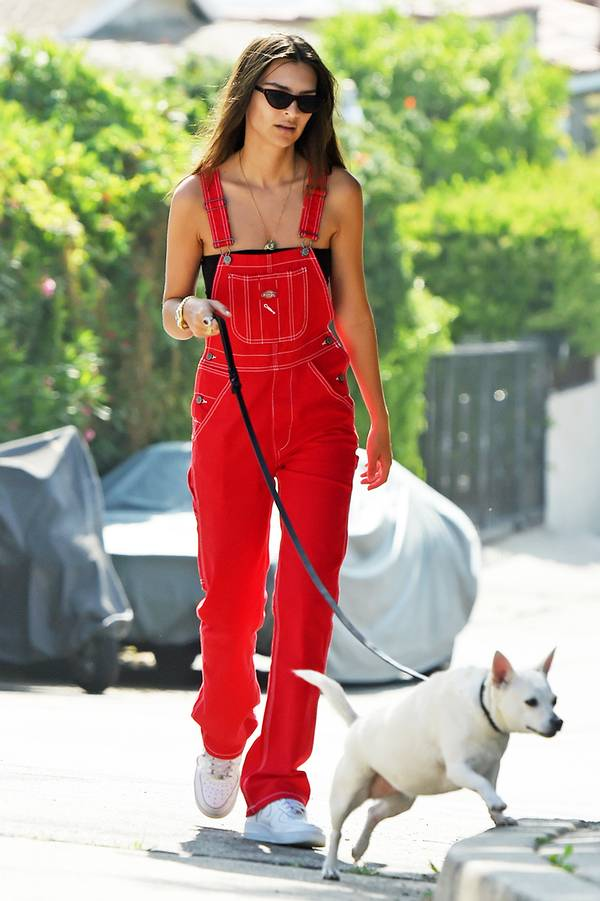 EXCLUSIVE: Emily Ratajkowski is Spotted Walking Her Dog in Los Angeles.
