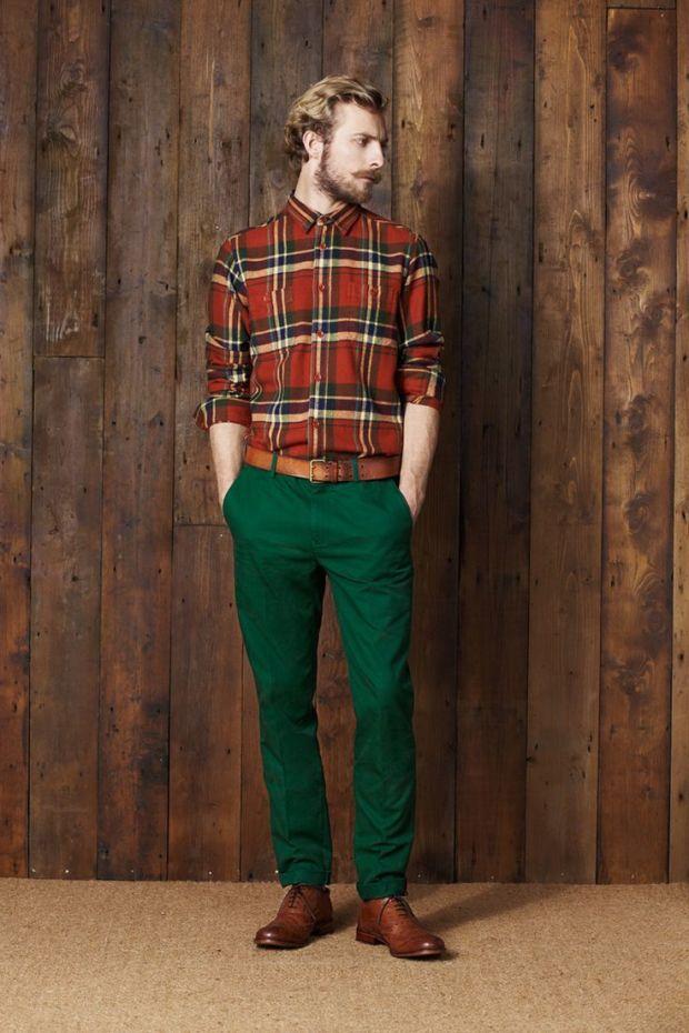 camisa-de-manga-larga-en-verde-y-rojo-pantalon-chino-verde-oscuro-zapatos-brogue-marrones-original-7144