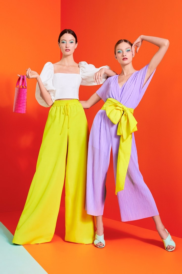 00008-ALICE-AND-OLIVIA-SPRING20-READY-TO-WEAR-credit-Stacey-Bendet - copia