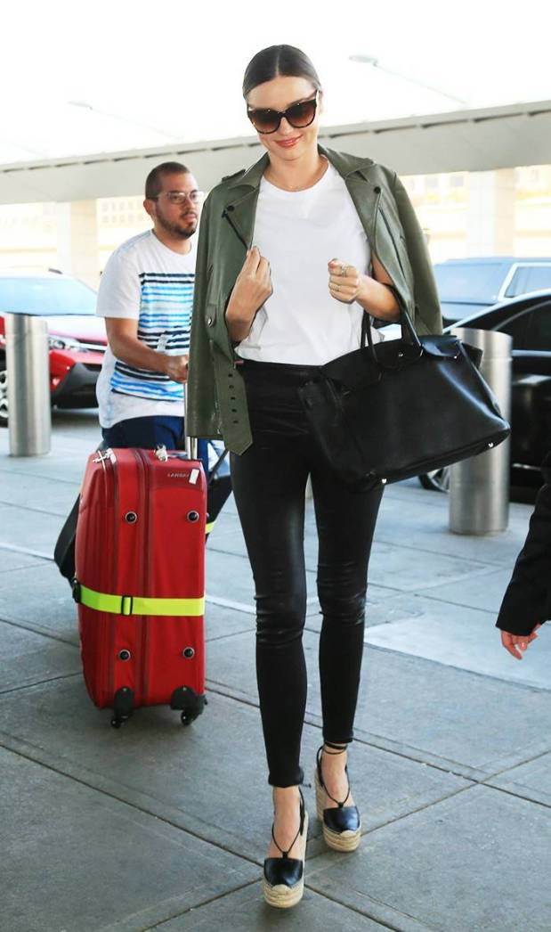7-summer-airport-outfits-you-already-own-1808605-1466120028.1200x0c